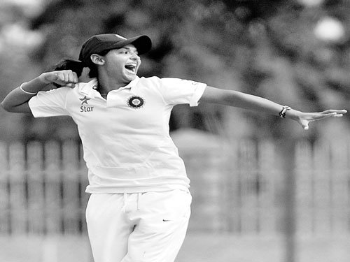 Indian eves inch closer to victory
