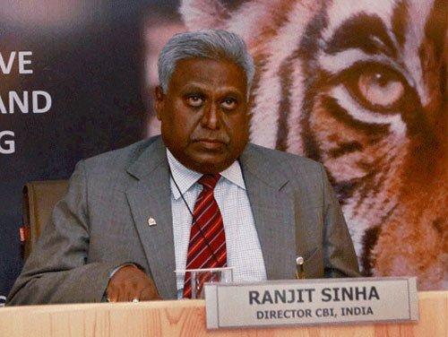 "Senior CBI officer is the ""mole"": Ranjit Sinha to SC"