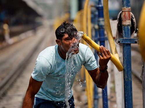 'Earth on track to warmest year on record'