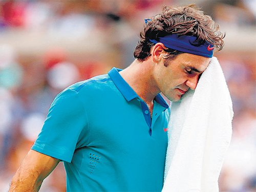 Federer flops but Swiss stay level with France
