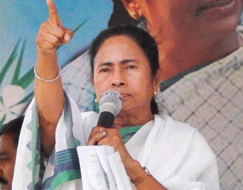 Didi dares Centre, CBI after Srinjoy arrest