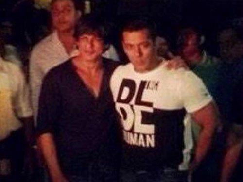 SRK turns up at Arpita Khan's reception at 2 a.m.