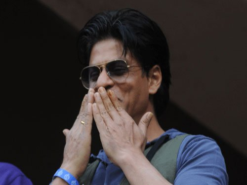 SRK sends out audio message to his 10 mn Twitter followers