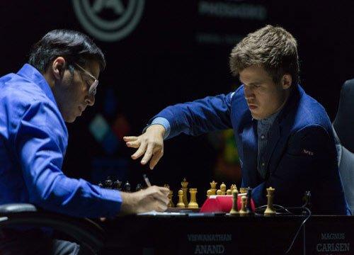 Carlsen retains world chess title, punishing Anand's misadventure