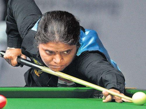 Advani, Chawla, Kothari enter knockout