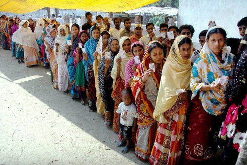 Saloora witnesses huge turnout in the absence of militancy