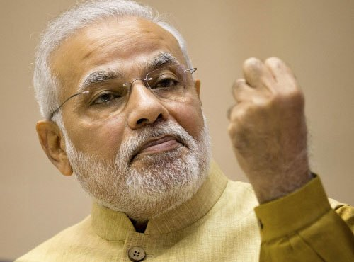 Modi holds talks with Nepal PM, ten pacts inked