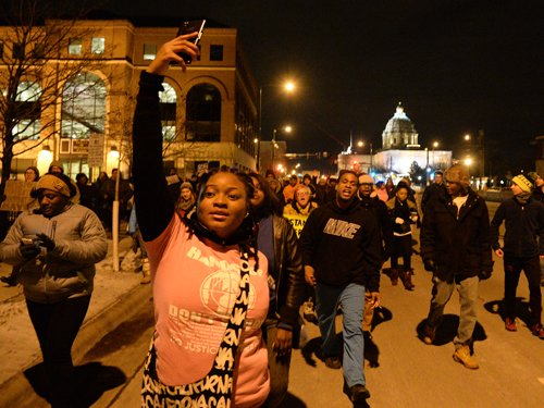 Protests across US as troops deployed in Ferguson