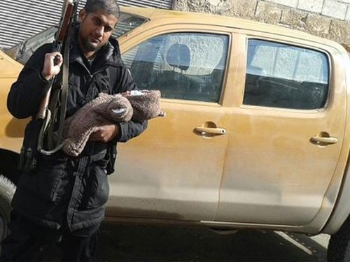 Indian-origin IS member poses with AK-47, newborn on Twitter