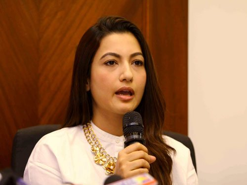 I am hurt, shocked but not out: Gauhar Khan on slap attack