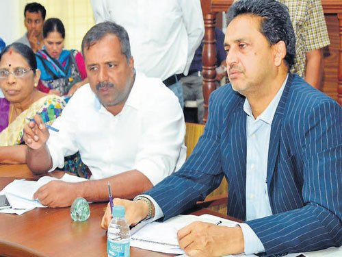 All districts will have 'Jana Sanjeevini' centres within 3 months, says Khader
