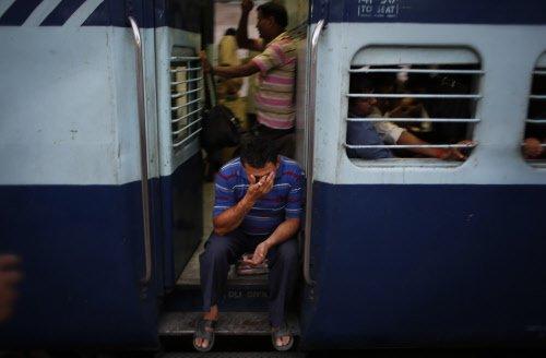 Bomb threat delays Jammu-Delhi Rajdhani, no explosive found