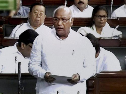 Kharge complains his mike switched off in LS