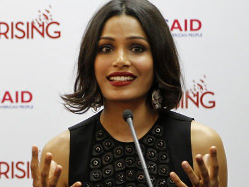 I look for strong female characters in films: Freida Pinto