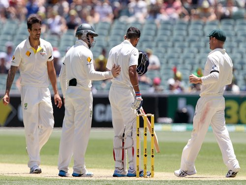 After Johnson pings Kohli on helmet, Aussie players show their softer side