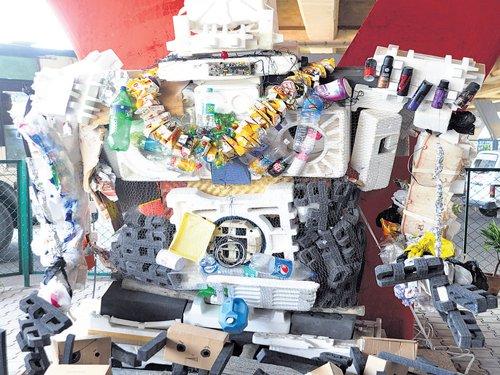 Waste space below flyover turns 'Kasa Market'