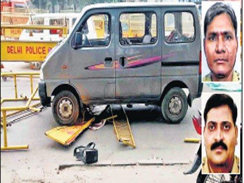Drunk cabbie mows down 2 cops in Delhi