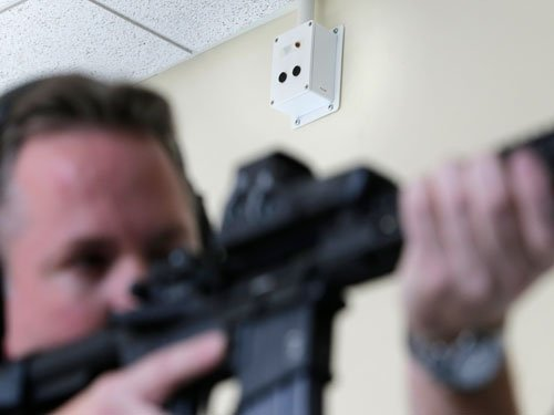 Six dead in US shootings, manhunt for suspect