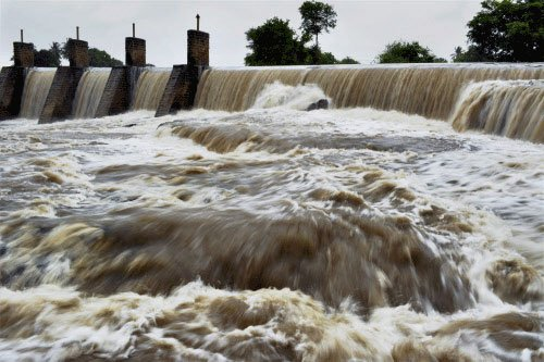 Six family members drown in Karnataka