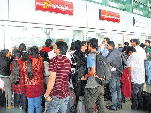 SpiceJet leaves passengers high and dry at International Airport