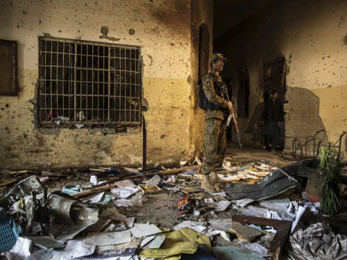 Angry tide turns against Pak Taliban