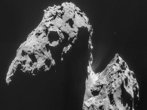 Rosetta orbiter to swoop down on comet in February