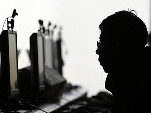 Internet addiction affects six percent of people worldwide