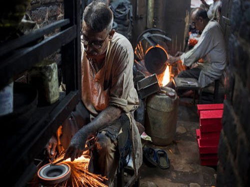 GDP likely to grow 5.5 percent in 2015: Mid-year review