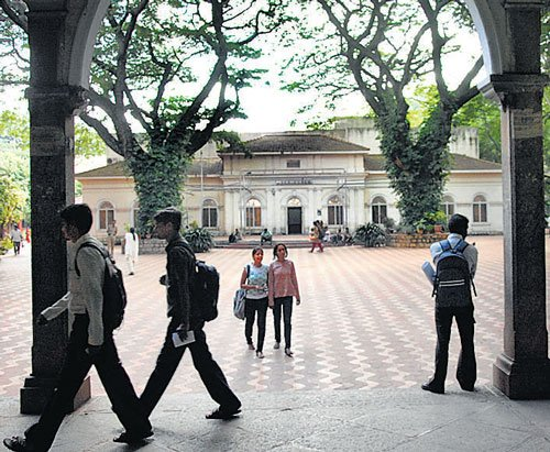 UVCE turns a haunt for corporate headhunt