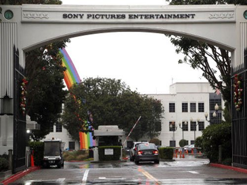 Sony threatens to sue Twitter over tweets