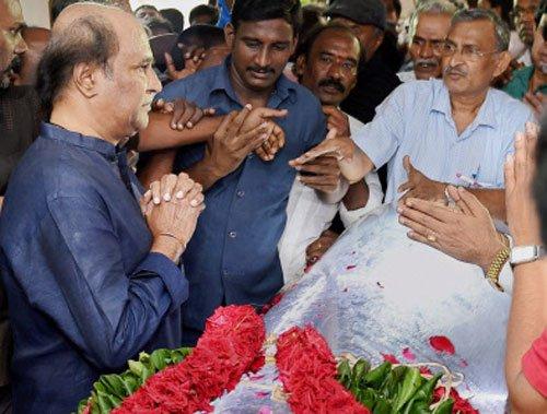 Thousands bid tearful adieu to Balachander