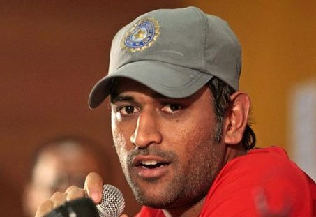 Make a movie about Indian dressing room: Dhoni