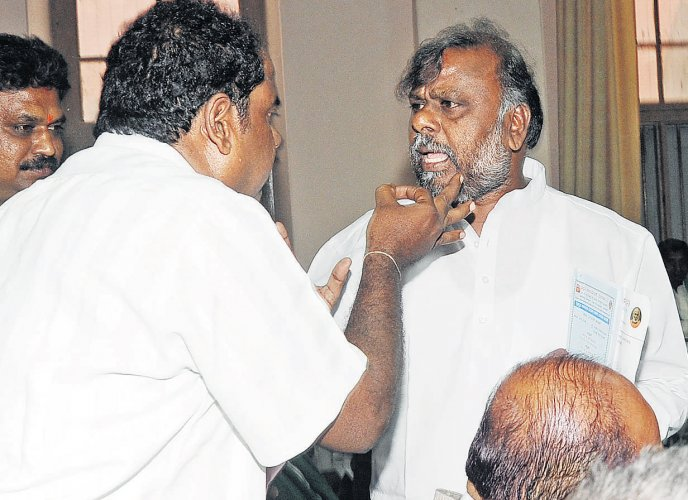 Social Welfare minister to popularise tribal-stay