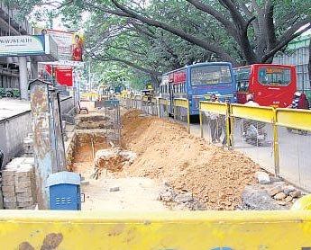 No space for greenery on footpaths of TenderSURE roads