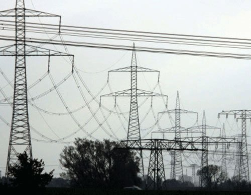 Govt eyes Rs 3-trn investment,reforms to light up power sector