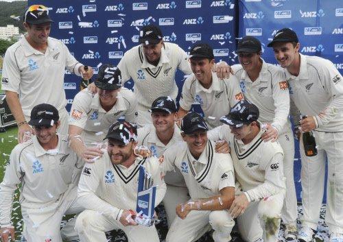 New Zealand beat Sri Lanka by 8 wickets in first Test