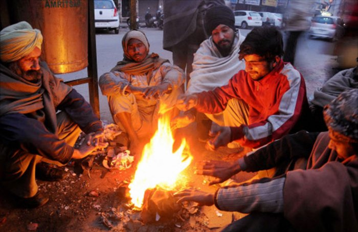 Mercury rises slightly in north but cold wave persists, 3 die in UP