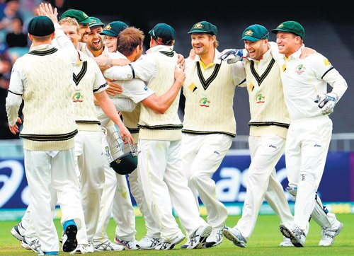 Australia's poor fielding due to lack of confidence: Coach