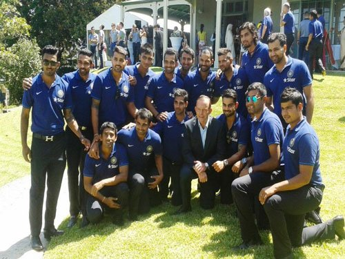 Dhoni missing from Team India tea with Australian PM