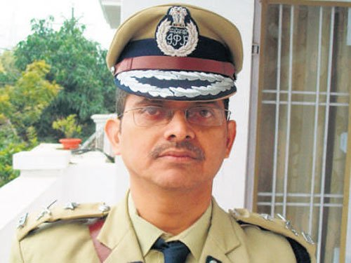 UP top cop to set up PK-OMG trust against superstition