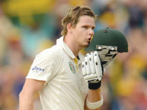 Australia declare first innings at 572/7