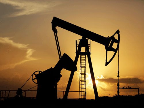 Brent oil drops under USD 50 for first time since 2009