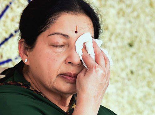 I-T department withdraws cases against Jayalalitha
