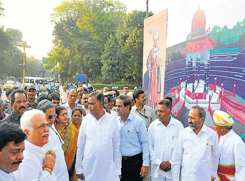 CM launches works worth Rs 196 crore in city