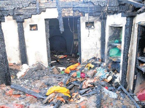 Woman killed in cylinder explosion near Hubballi