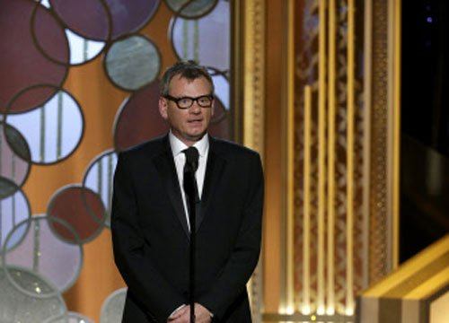 Golden Globes opens with Charlie Hebdo tribute