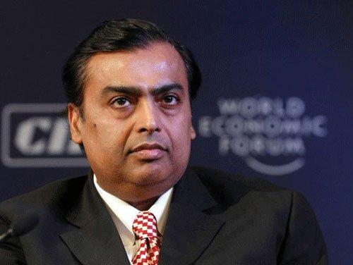 Mukesh Ambani gives retail arm mandate to drive 4G devices