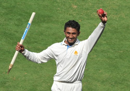 Leggie Gopal brings Karnataka back with quick wickets