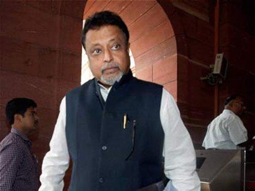 Mukul Roy flies off to Delhi before facing CBI