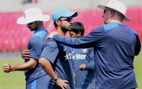 India start World Cup rehearsal in tri-series